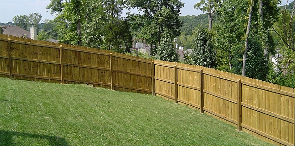 How Much Does It Cost To Build A Fence In The Backyard