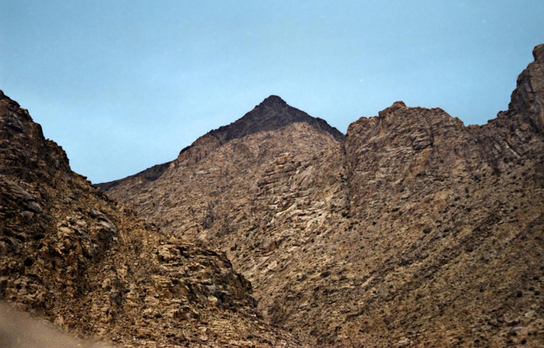 Картинки по запросу настоящая гора синай в саудовской аравии