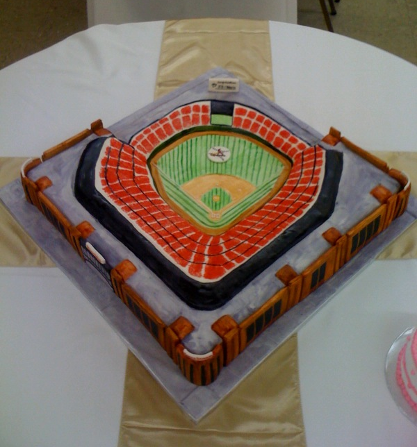Cardinals_Busch_Stadium_Cake_700.png