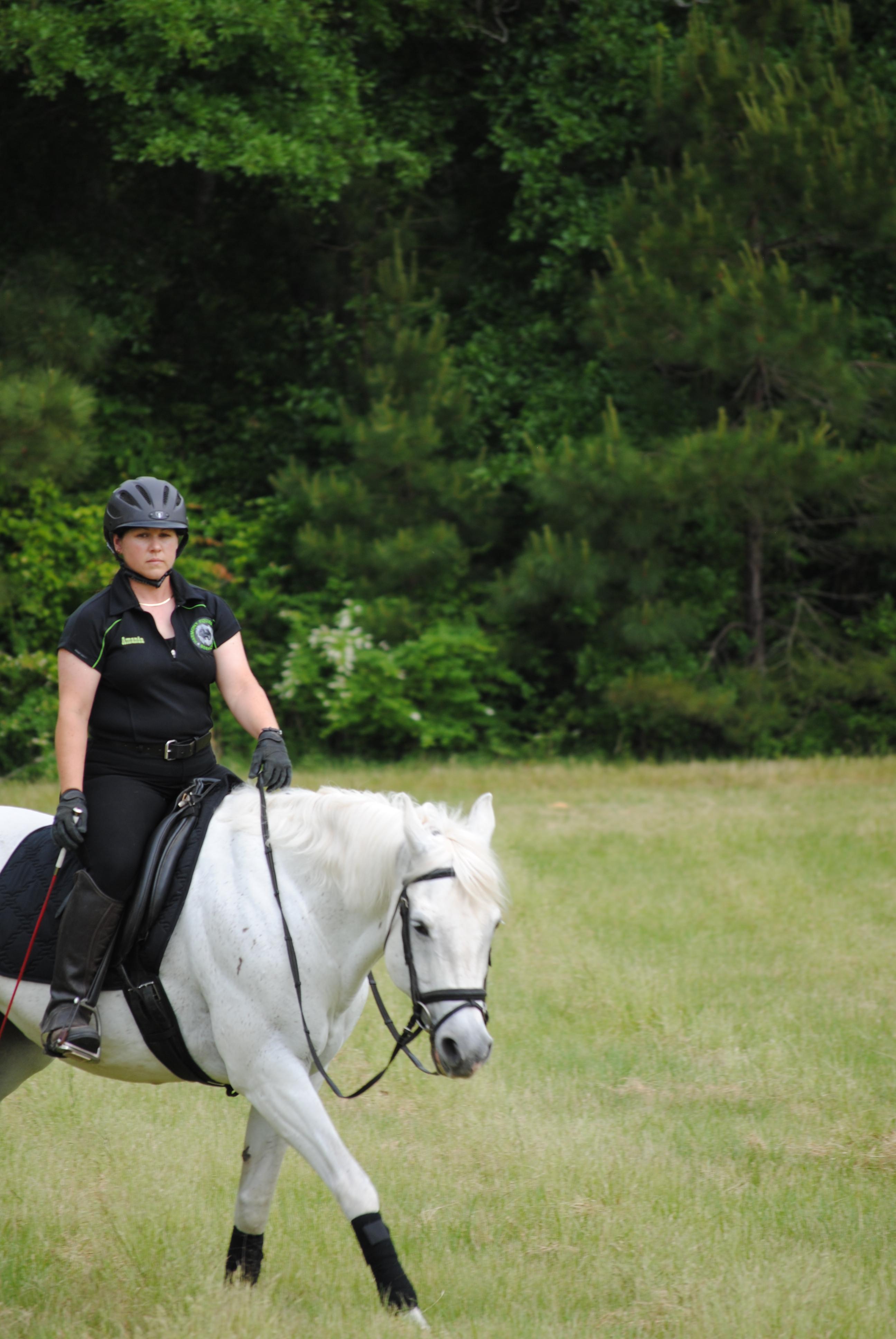 Amanda_riding_Dazzle_237.jpg