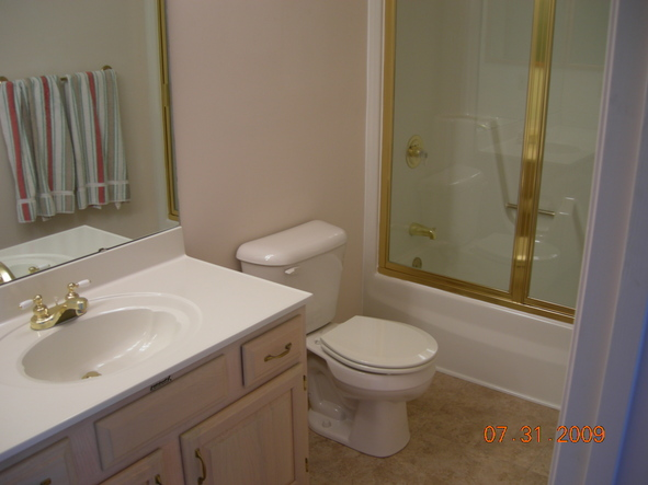 Fast bath remodel by spraymasters inc lexington ky for Fast bathroom remodel