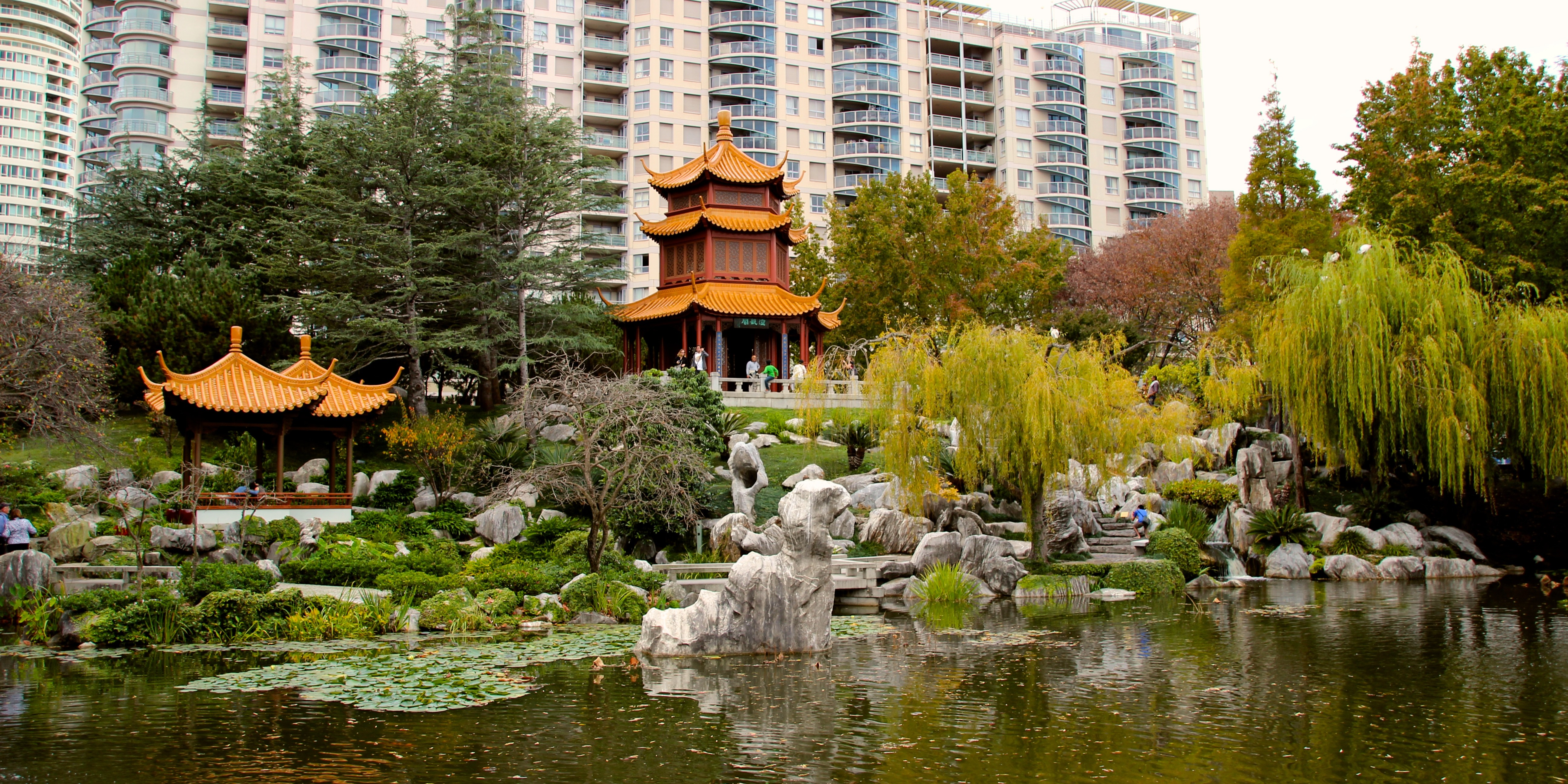 Chinese_Garden_of_Friendship_(looking_back_at_city)