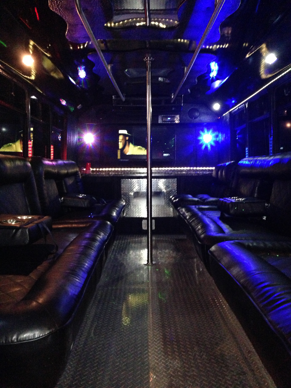 22 pass party bus