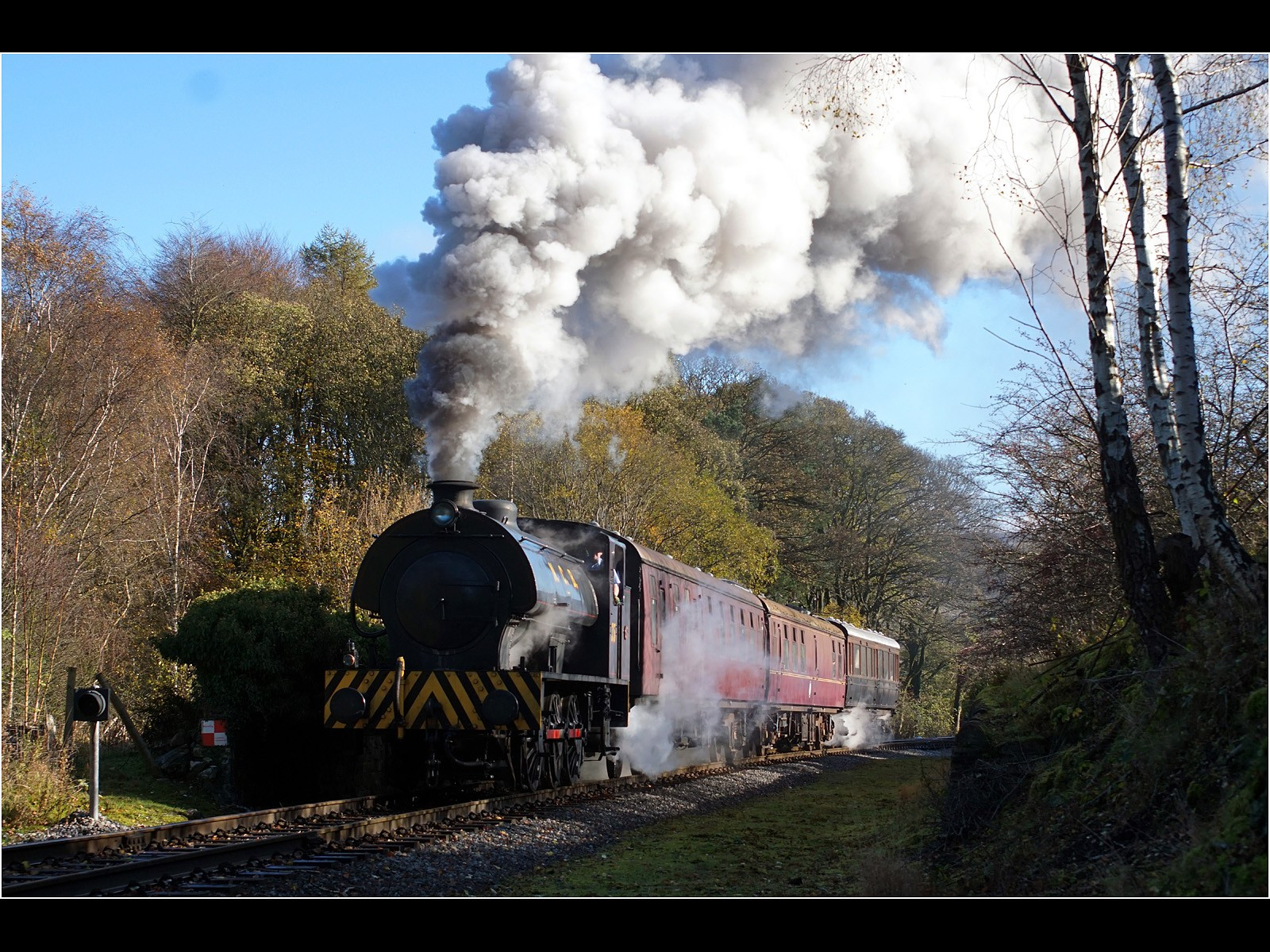 Saddle Tank Leaving Bolton Abbey