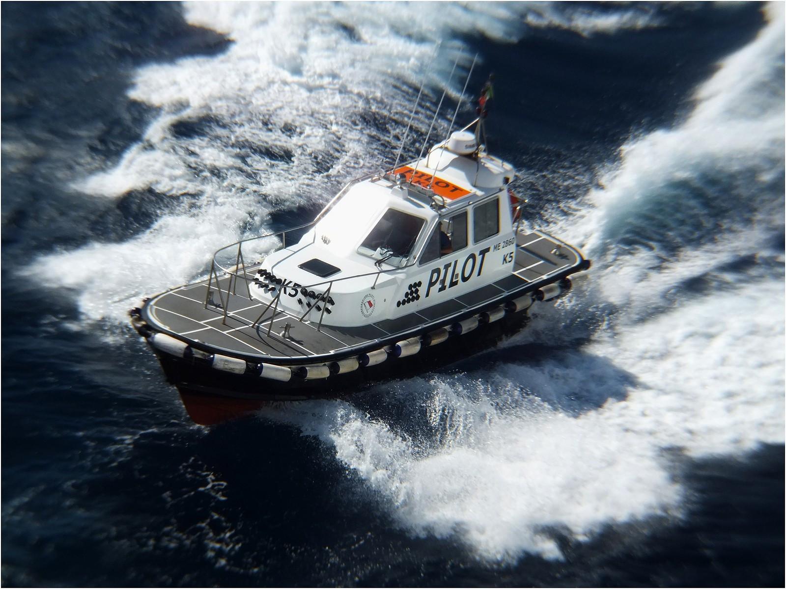 Pilot boat K5