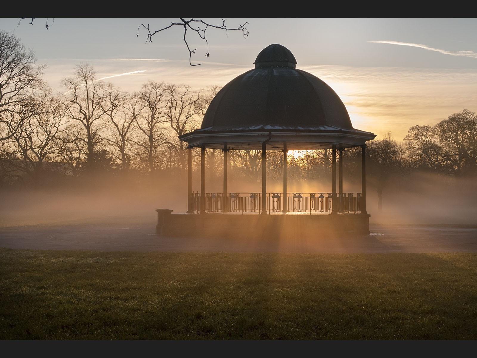 IMG_1604 vict park bandstand sunset