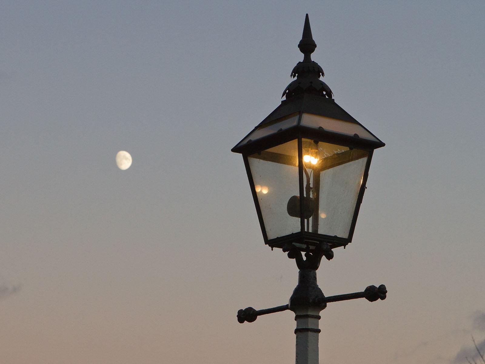 IMG_3524 kwvr gaslight and moon
