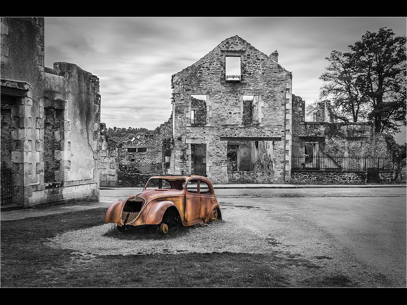 Doctors_Car_Oradour-sur-Glane