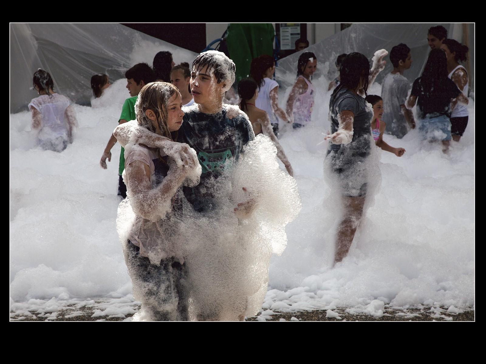 Love in bubbles