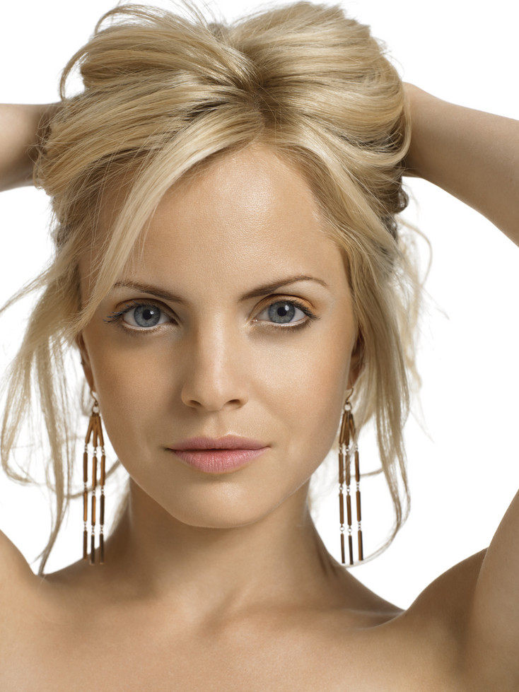 Mena Suvari Blonde Hair