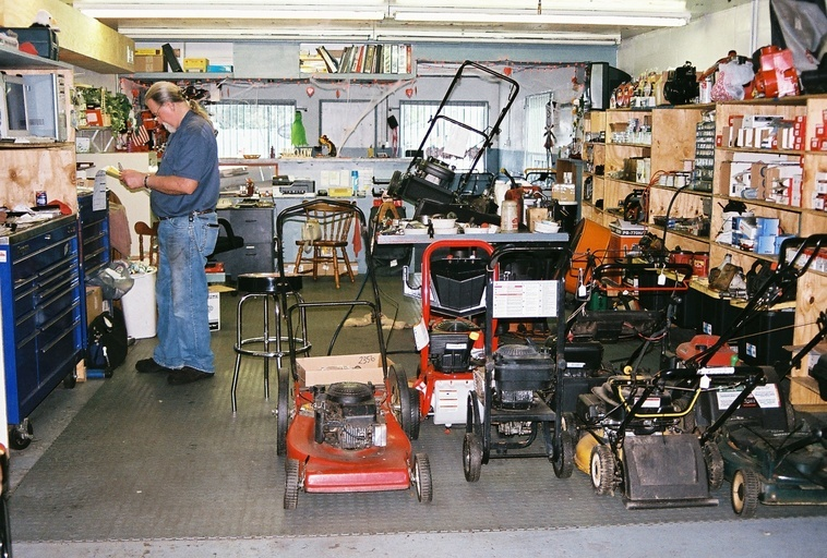 Mower medics small engine repair rebuilds and more for Small motor repair shop