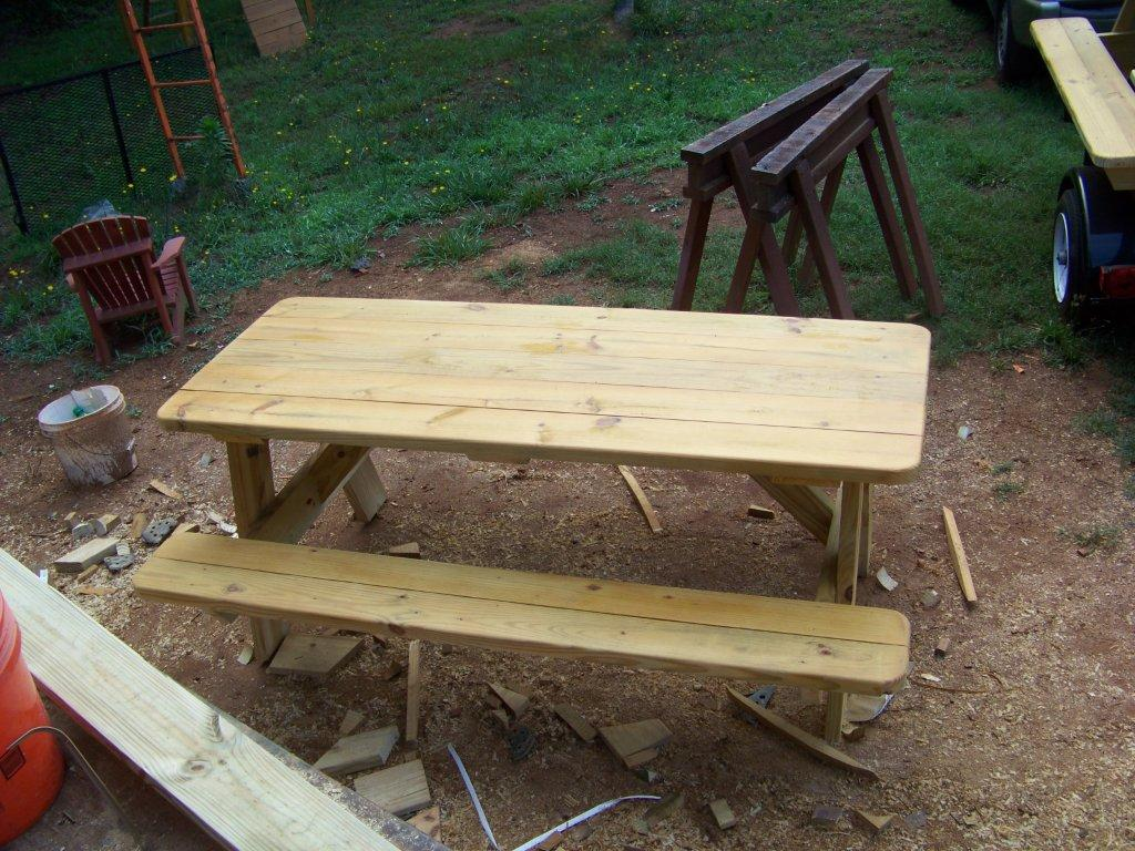 CHIPSWOOD - Pressure treated wood picnic table