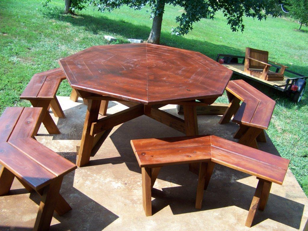 CHIPSWOOD - How to stain a picnic table