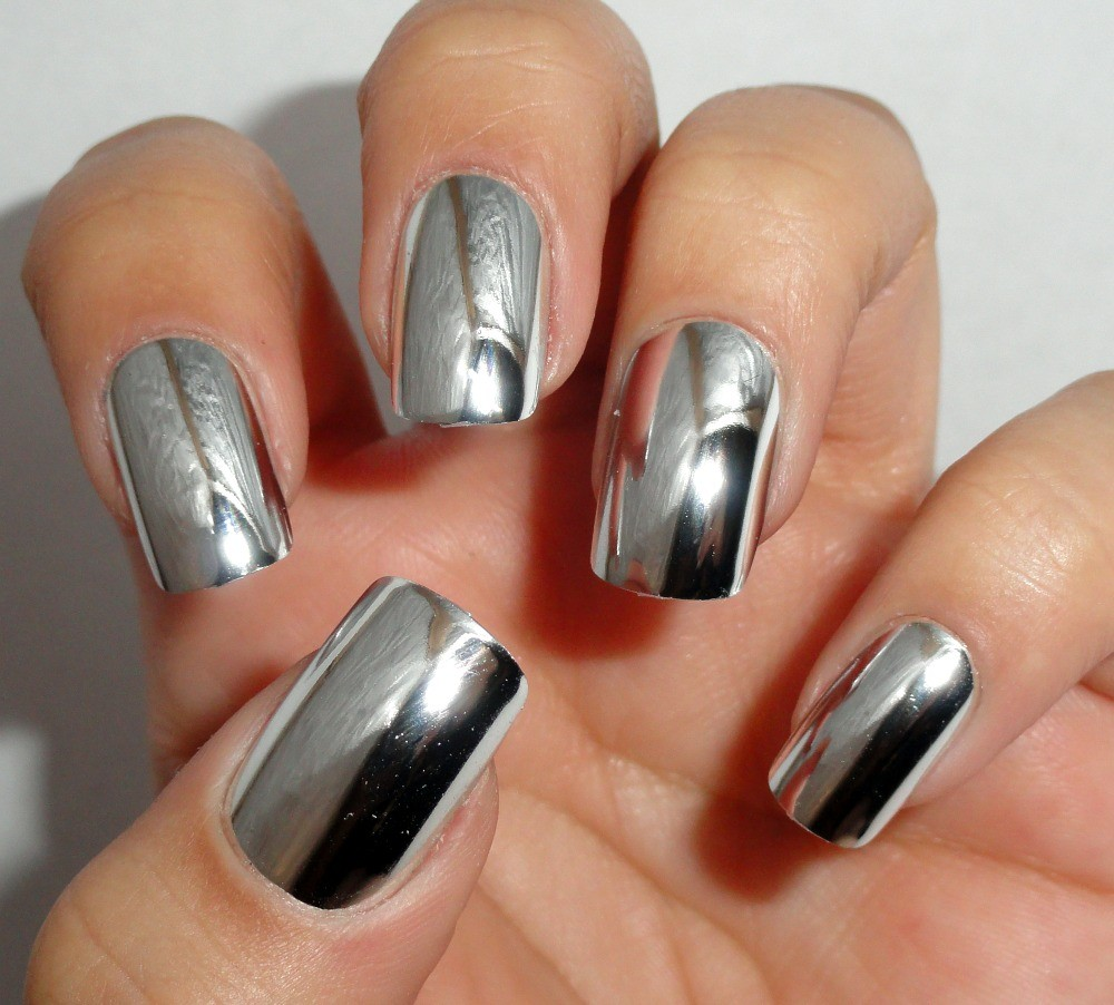 chrome nails 1