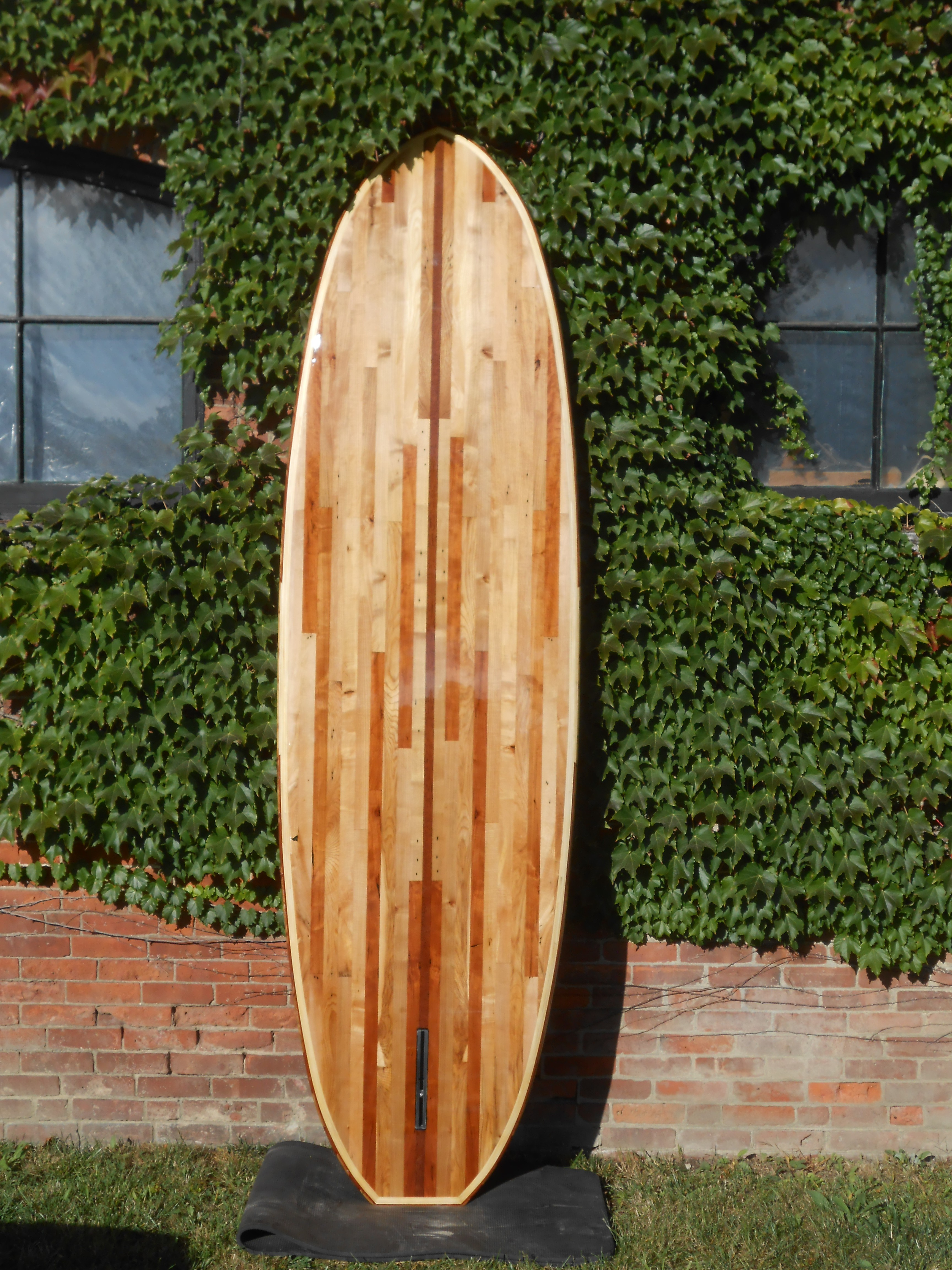 9' 6 pallet wood stand up paddle board bottom