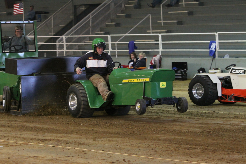 Double W Pulling Garden Tractor/Mini Outlaw/Mini Rod and Sled Rental