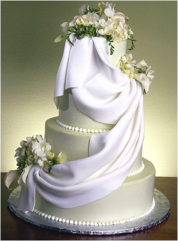 """Заказ из кондитерской  """"Тутти Фрутти.  Свадебный торт.  Коктейль."""