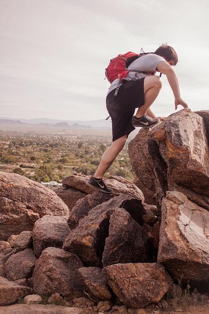 hiking-691986_640