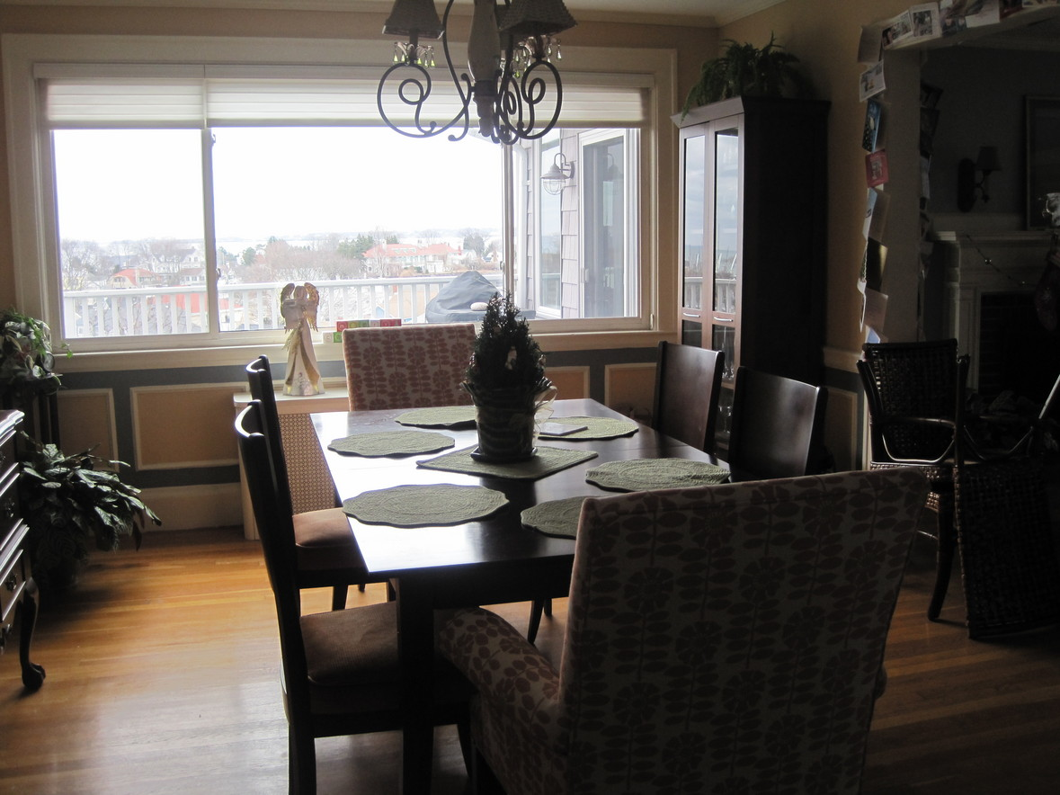 Normal dining room - Sitting For Six People Without Extender