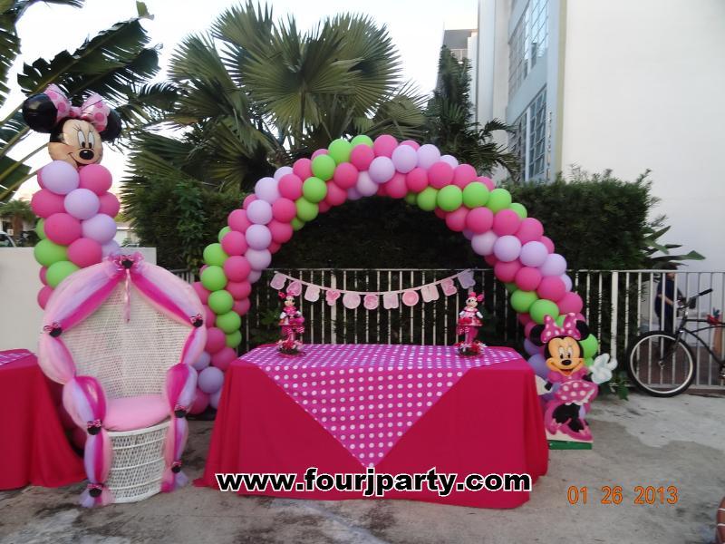 Baby Shower Minnie arch balloons