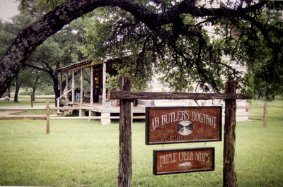 AB Butlers dogtrot log cabin b&b in Fredericksburg, TX