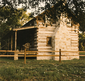Historic Fredericksburg Tx Bed And Breakfast Log Cabin Ab