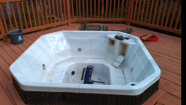 hot tub removal, phils affordable hauling services, fairfiel spa removal, vallejo deck removal, junk removal services, trash removal