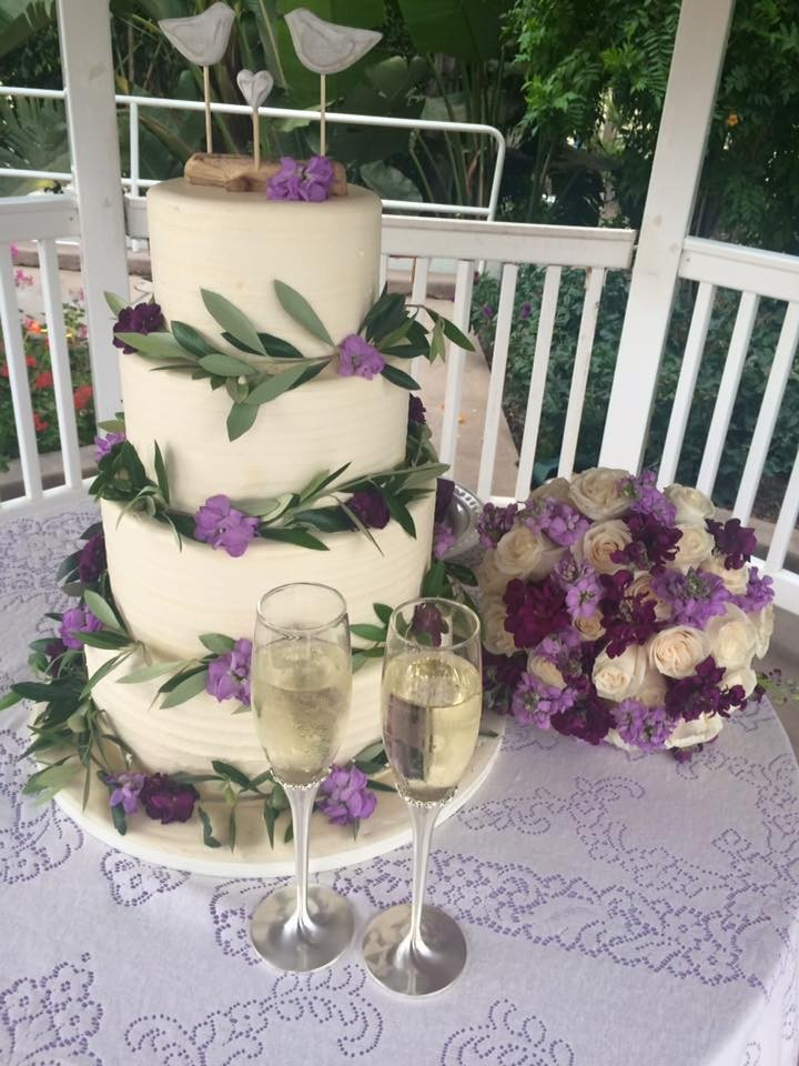 An All Inclusive Event wedding cake