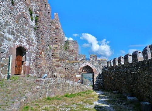 molivos medieval castle