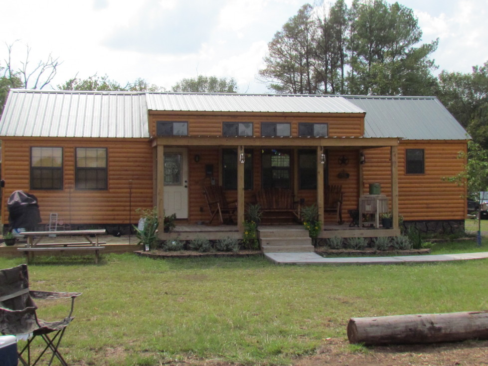 the cabin lodge at ranch house chapel