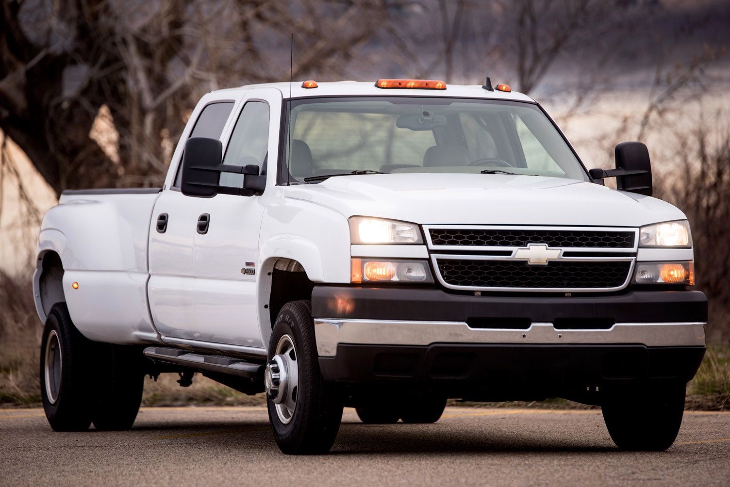 0492 _ 06 Chevy Silverado 3500 CcDually p30-2