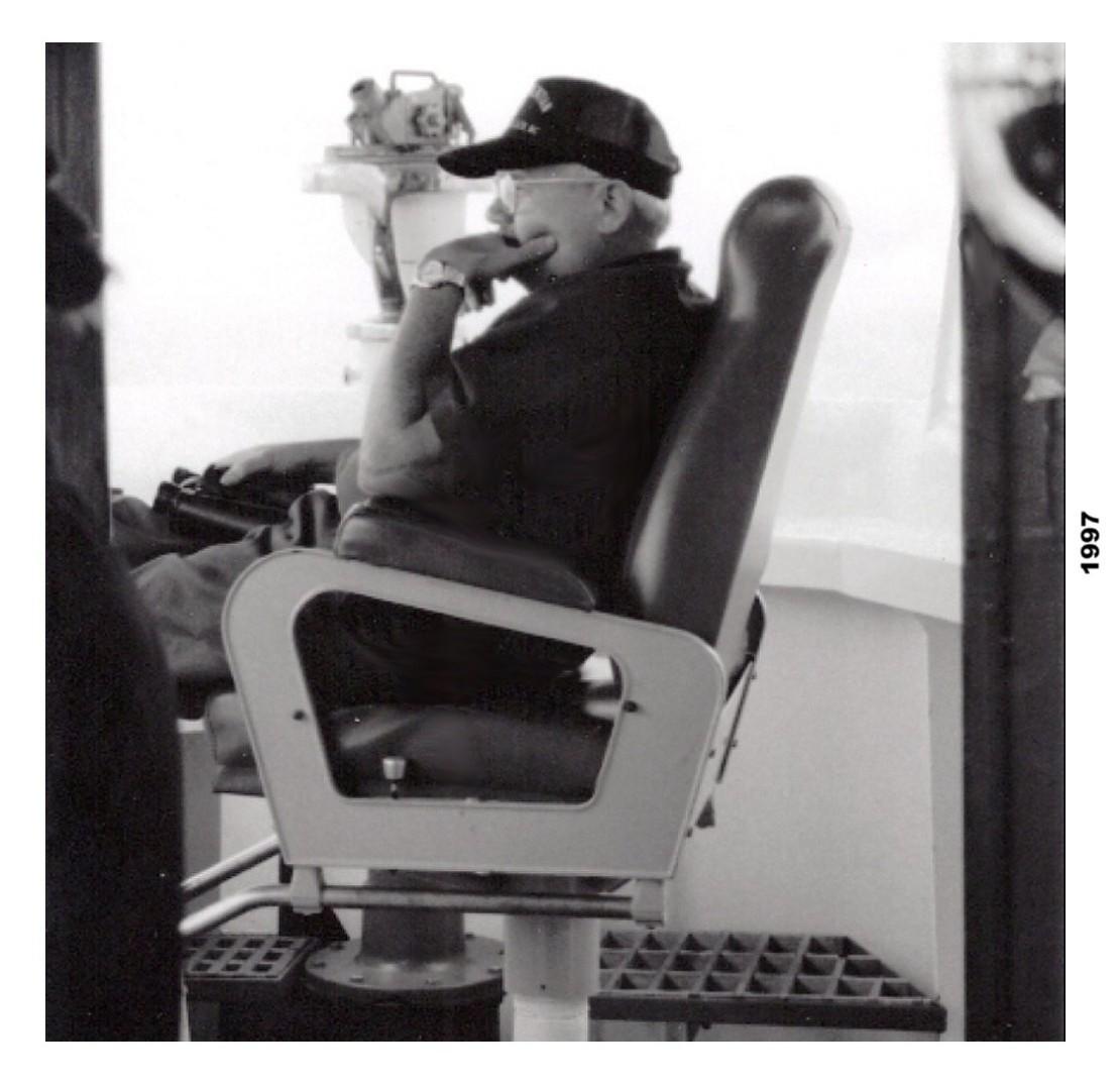 tom in command on starboard bridge wing cgc gentian summer 1997 (1)-