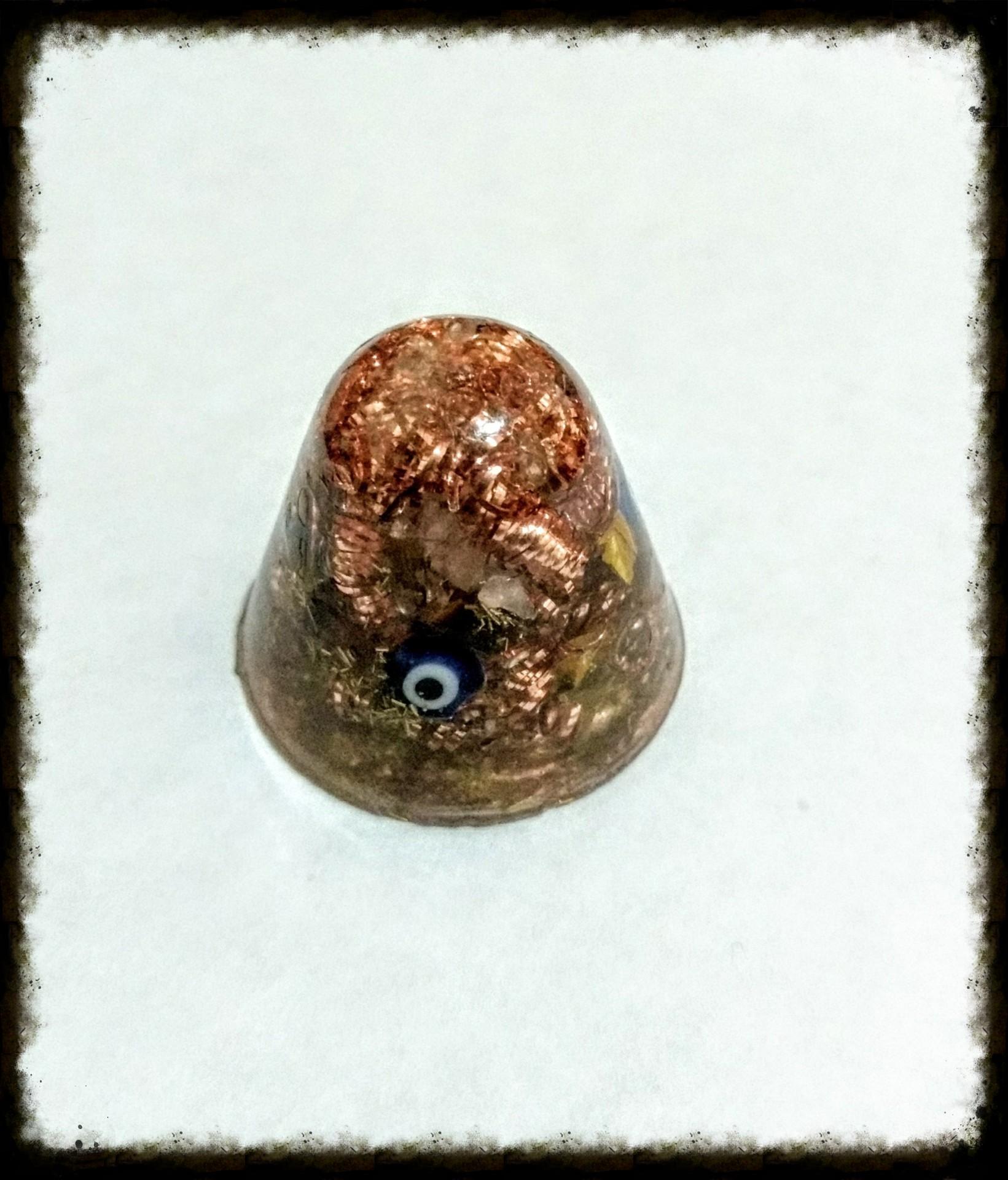 Piramides con punta redondeada mini, cuarzo rosado, ojo de tigre, ojos turcos, cobre y bronce