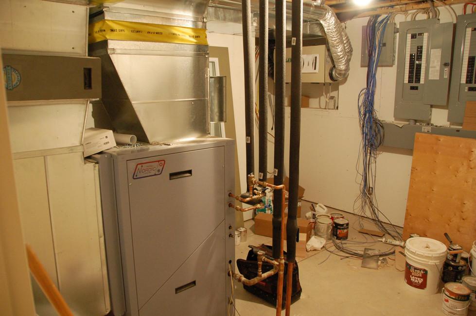 Geothermal heat pump using well water-Quispamsis